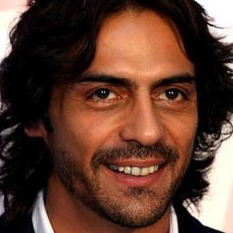 Arjun Rampal suffers eye injury