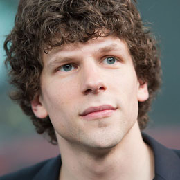 Jesse Eisenberg is going to be a father