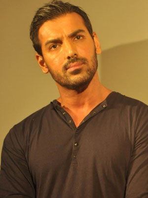 John Abraham to shed 20 kilos for '1911'
