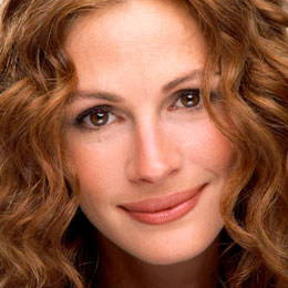 Julia Roberts to Play Disgraced PTA Mom