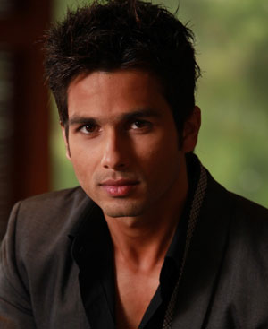 Shahid Kapoor opts out 'Half Girlfriend'